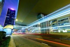 trails för bilhuvudväglampa Arkivbilder