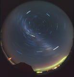 trails för stjärna för morgonrodnadsky sydliga Fotografering för Bildbyråer