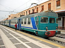 Train à la gare photo libre de droits