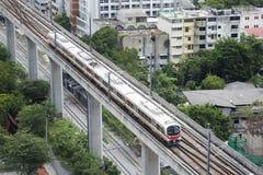 Train électrique de liaison ferroviaire d'aéroport de la Thaïlande Photo libre de droits