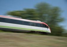 Train électrique sur l'aller image libre de droits