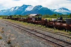 Train abandonné dans le pré alpin Photo stock