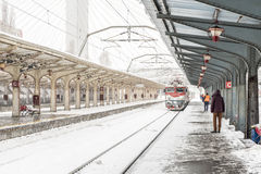 Train Arrives During Heavy Snowfall In Bucharest North Railway Station Stock Photos