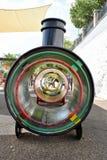 Train d'amusement dans le terrain de jeu de ` d'enfants à Frigiliana - village blanc espagnol Andalousie Images libres de droits