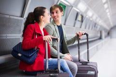 Train de attente de couples Image stock