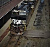 Train de charbon de NS image stock