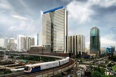 Train de ciel à Bangkok Photo stock