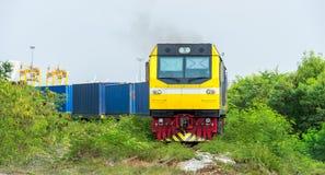 Train de conteneur de marchandises image stock