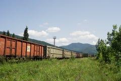 Train de fret ferroviaire privé roumain d'opérateur image libre de droits