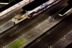 train de gare de 2 nuits Photographie stock libre de droits