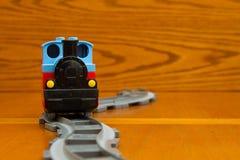 Train de jouet d'étain avec des lettres Front View Photo stock