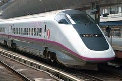 Train de remboursement in fine de Shinkansen Images stock