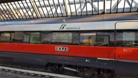 Train «de rossa de Freccia» à l'expo Milan 2015 Italie Images libres de droits
