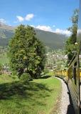 Train de roue dentée à Jungfraujoch dans les Alpes suisses Photo stock
