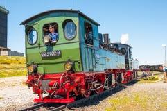 Train de vapeur manoeuvrant à la station de train de Brocken Photo libre de droits
