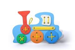 Train en bois de haute résolution d'isolement pour les enfants heureux Images stock