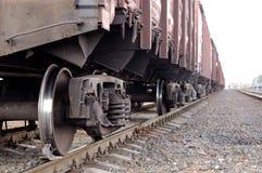Train et chemin de fer de cargaison de fret image stock