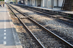 Train ferroviaire chez la Thaïlande Photo stock