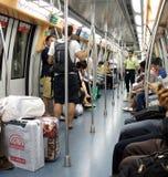 Train ferroviaire suburbain à l'intérieur, Singapour Image libre de droits
