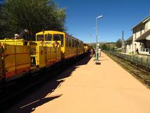 Train jaune photos libres de droits