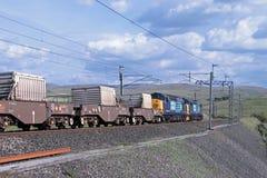 Train nucléaire de flacon sur la ligne principale de côte ouest. Images libres de droits