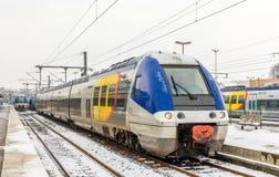 Train régional à la station de Saint-Matrice-DES-VOSGES - France image libre de droits