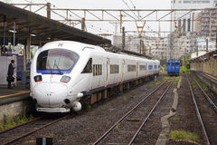 18 08 2015 Train rapide de 885 Intercity Limited Photographie stock