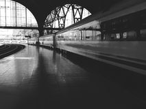 Train station, the train and the platform Royalty Free Stock Photos