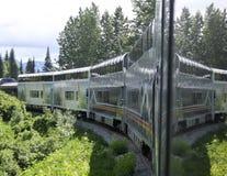 Train sur une courbe photo stock