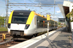 Train urbain suédois Photographie stock