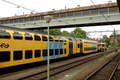 Train voyageant en Hollande Image libre de droits