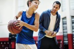 Trainer-Team Athlete Basketball Bounce Sport-Konzept Stockbilder
