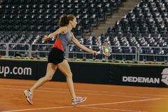 Training Buzarnescu Mihaela bei Fed Cup Rumänien 2018 stockbild