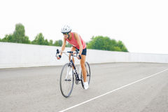 Training des weiblichen Athleten des Sports Lizenzfreies Stockfoto
