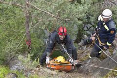 Training rescue people in inaccessible terrain Royalty Free Stock Images