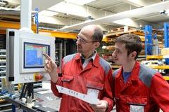 Training und Lehre in der Industrie stockfoto