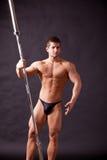 Traininig joven del bodybuilder Fotografía de archivo libre de regalías