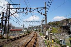 Trainline in Kamakura lizenzfreies stockfoto