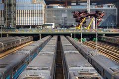 Trains à la gare ferroviaire de terminus, 30ème terminal de St Images libres de droits