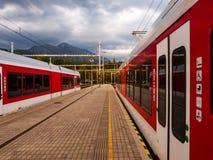 Trains Photos libres de droits