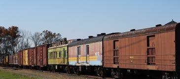 Trains colorés et jours lumineux d'automne image libre de droits