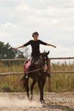 Trains d'équitation de fille Image libre de droits