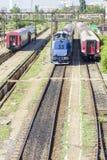 Trains de Roumain dans la station image stock