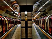 2 trains de souterrain de Londres Photos libres de droits