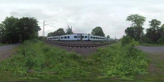 360 trains de VR deux et route vide dans la campagne de Francfort, Allemagne banque de vidéos