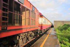 Trains suburbains en Thaïlande Images stock