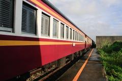 Trains suburbains en Thaïlande Images libres de droits