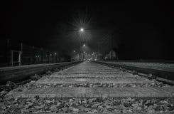 Trainstation en la noche Imagenes de archivo
