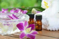 Traitement d'Aromatherapy avec l'orchidée photographie stock