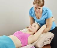 Traitement d'ostéopathie Images stock